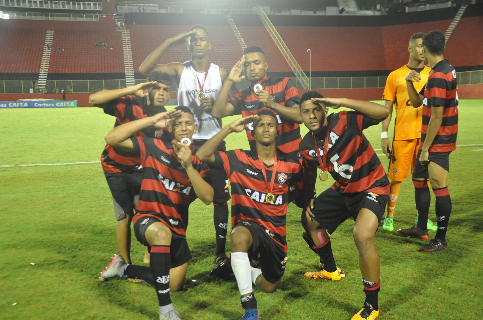 BASE MODIFICADA   Esporte Clube Vitória - Site Oficial 5b8cdbf0aeec0