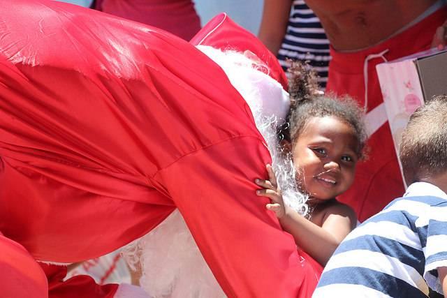 ... Papai Noel para distribuir presentes para crianças carentes em Bauru 221d321095e2d