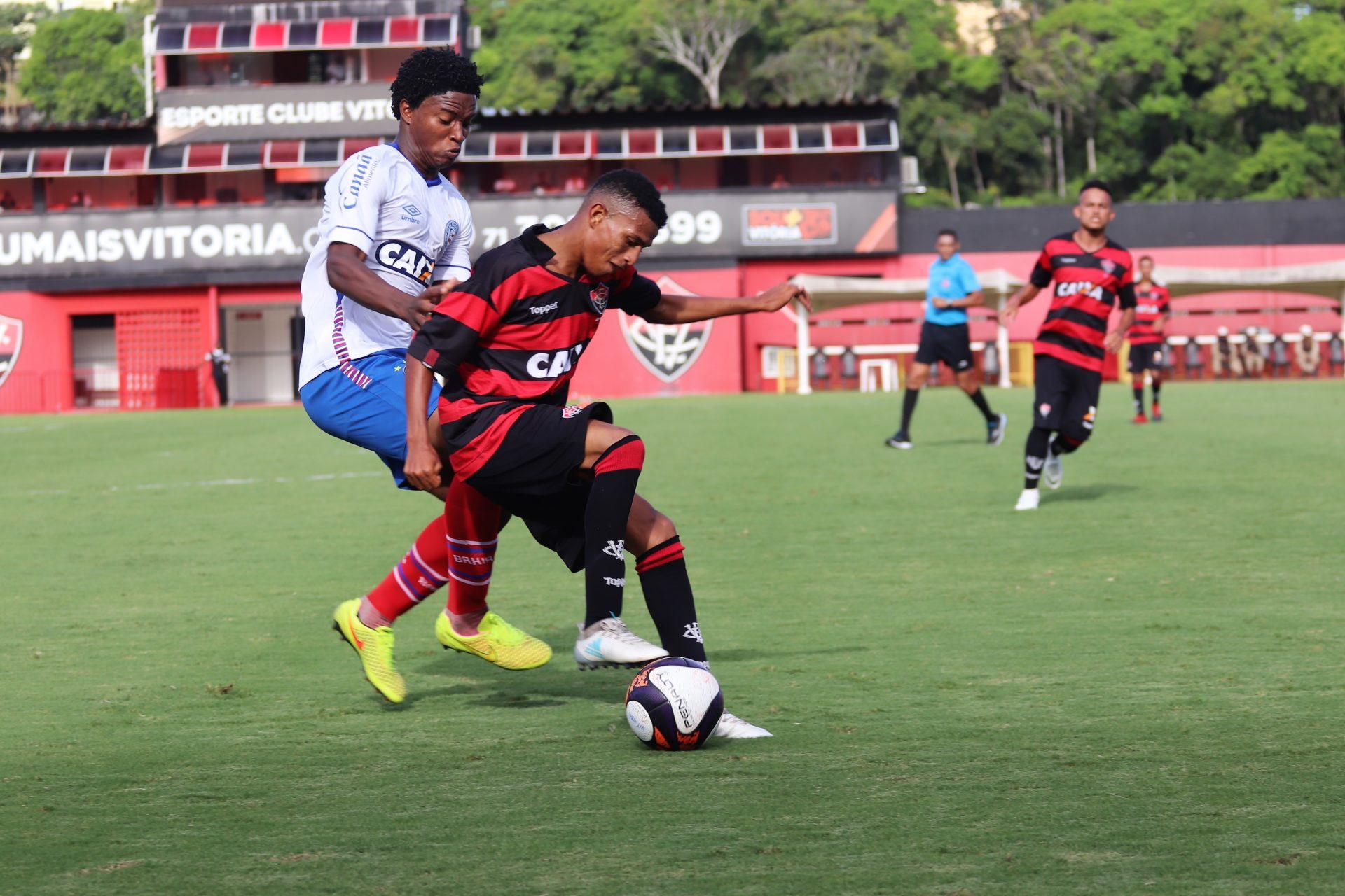 BASE EM AÇÃO   Esporte Clube Vitória - Site Oficial 726d17c180978